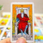 願い事の成就を示す?「皇帝」カードの正位置・逆位置の捉え方
