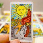 復縁成就はもう目の前?!成功の象徴とされる「太陽」のカードの意味と捉え方